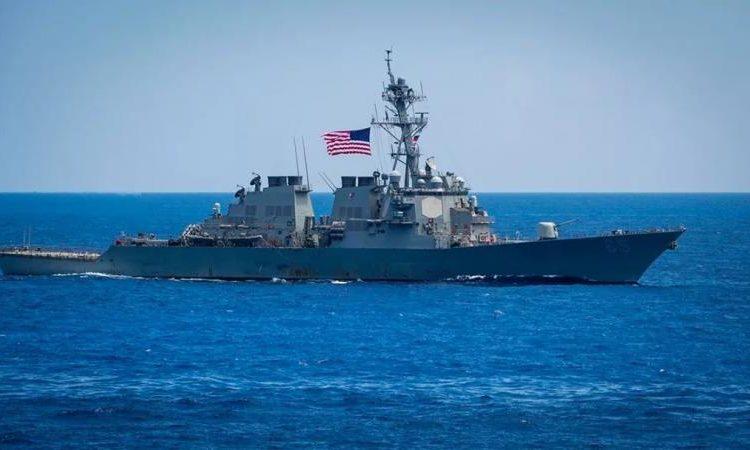 (observateurcontinent)La Chine «chasse» un destroyer américain en mer de Chine méridionale