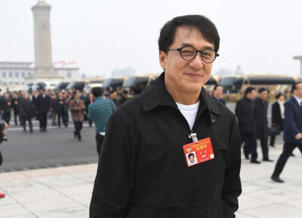 (observateurcontinental)Jackie Chan rejoint le Parti communiste chinois?