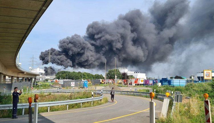 (observateurcontinental)Un mort et 4 disparus après l'explosion sur un site industriel chimique en Allemagne