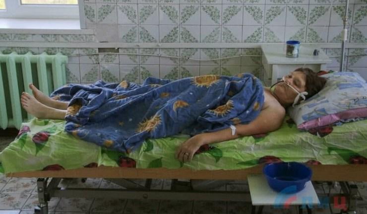 (Reseauinternational)RPL – L'armée ukrainienne bombarde le village de Donetski au mortier de 120 mm, et blesse grièvement une civile