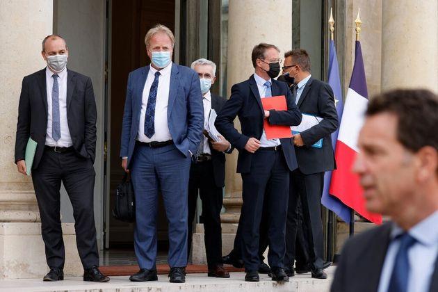 (HuffPost)Réforme des retraites: Face aux syndicats, Macron ne se dévoile toujours pas