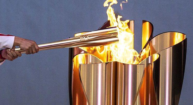 (le moov)JO 2020 : une femme a tenté d'éteindre la flamme olympique