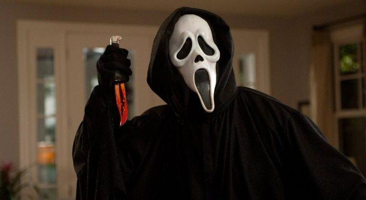 """(mouv.fr)Le réalisateur de """"Scream 5"""" assure que le film est terminé"""