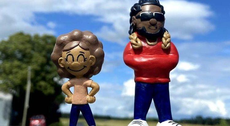 (le moov)Jok'Air va sortir des livres pour enfants, ainsi que des figurines et peluches