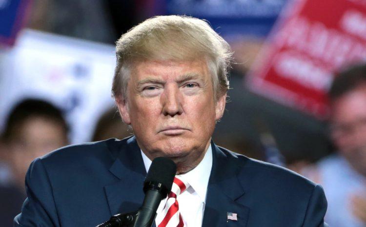(phonandroi.com)Donald Trump va poursuivre Twitter, Facebook et Google en justice pour censure