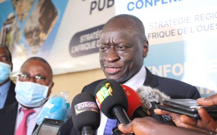 (Guineenews.org)Université Gamal : En visite de travail en Guinée, Ousmane Diagana de la Banque mondiale échange avec les étudiants