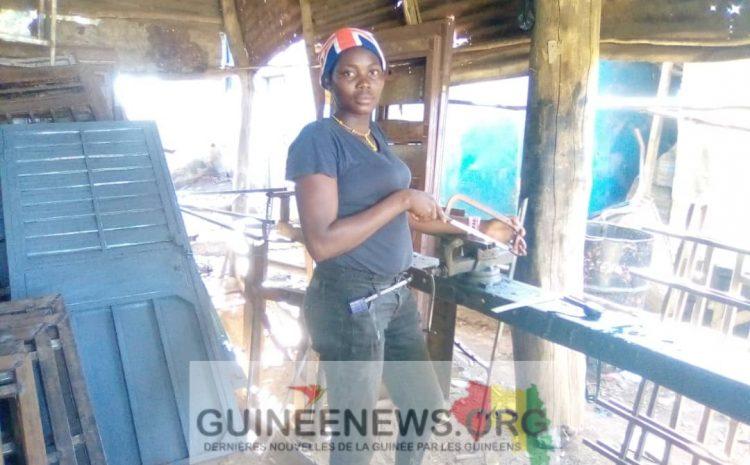 (Guineenews.org)Métier : chaudronnerie, la nouvelle convoitise des jeunes filles de Kindia