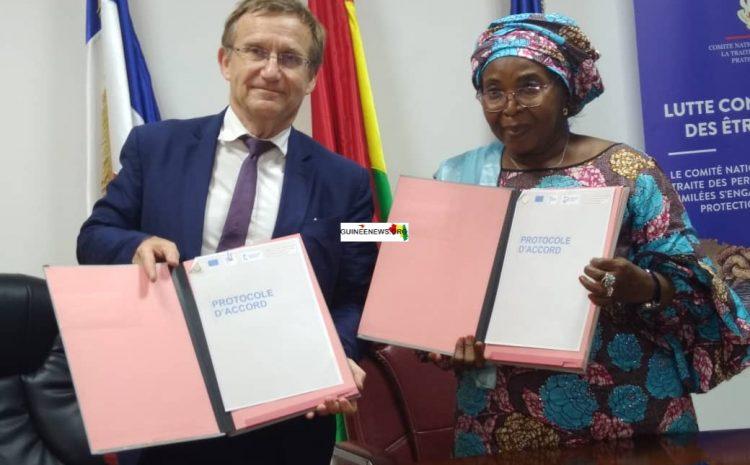 (Guineenews.org)Lutte contre la traite des personnes : Expertise France et le ministère de l'Action sociale signent un Accord-cadre