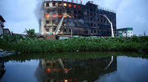 (rfi.fr)Bangladesh: plus de 50 morts dans l'incendie d'une usine.