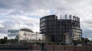 (rfi.fr)JO de Pékin 2022: le Parlement européen appelle l'UE à refuser les invitations de la Chine.