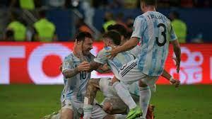 (rfi.fr)Copa America: Messi enfin couronné avec l'Argentine en terrassant le Brésil.