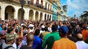 (rfi.fr)Cuba: l'internet, grand allié des manifestations inédites, coupé sur l'île.