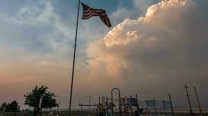 (rfi.fr)L'Ouest américain étouffe sous la chaleur et les incendies.