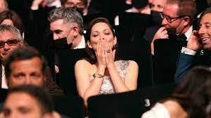 (fi.fr)Festival de Cannes: une cérémonie d'ouverture glamour pour briser la malédiction du Covid.