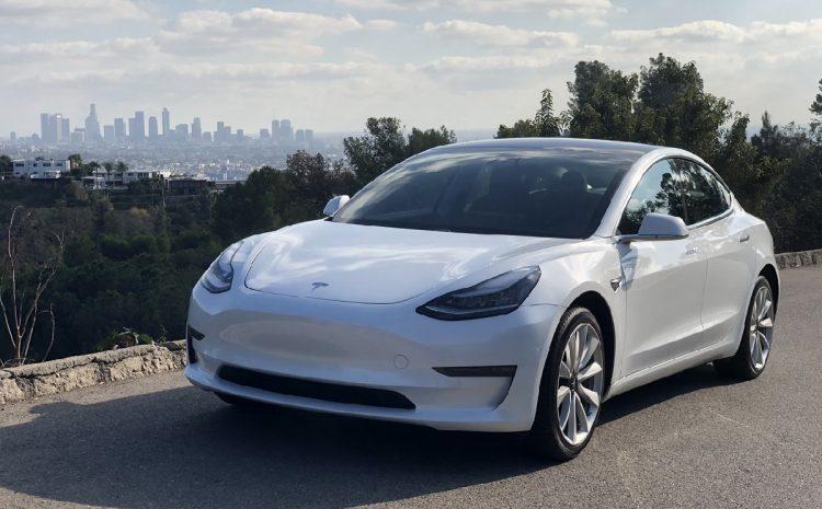 (phonandroid.com)La Tesla Model 3 reste la voiture électrique la plus vendue en France, devant la Zoe