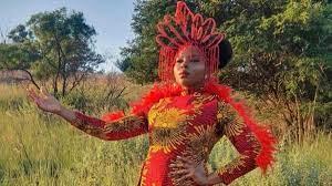 (AfrikMusik.fr)Yemi Aladé dévoile quelques images exclusives de son prochain clip vidéo .
