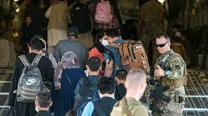 (rfi.fr)Afghanistan: les Occidentaux alertent sur une «menace terroriste» à l'aéroport de Kaboul.