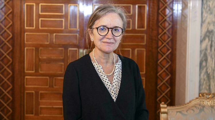 (rfi.fr)Tunisie: Najla Bouden Romdhane, première femme nommée cheffe du gouvernement