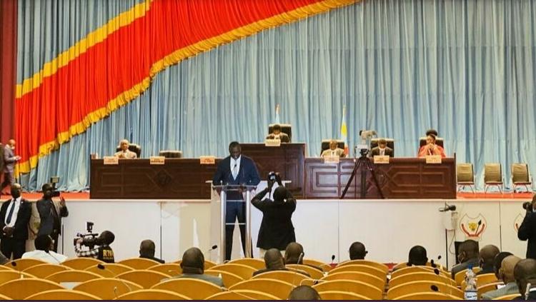 (rfi.fr)RDC: débat polémique à l'Assemblée nationale sur une taxe sur les téléphones mobiles