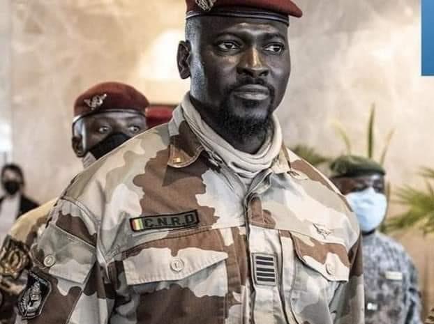 (Guineenews.org)Le colonel Doumbouya loue les efforts des acteurs culturels dans la promotion de la paix