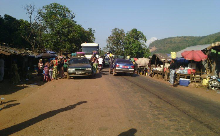 (Guineenews.org)Barrages routiers  et rackets : le calvaire des usagers de l'axe Conakry-Kankan