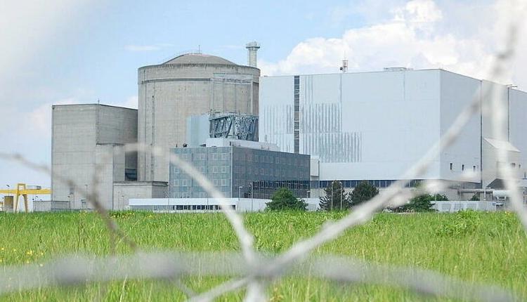 (rfi.fr)Futur électrique de la France: essor indispensable du renouvelable, avantage économique du nucléaire
