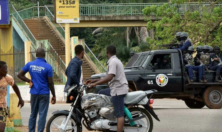 (rfi.fr)Guinée: malgré les annonces du colonel Doumbouya, les rackets sur la route continuent