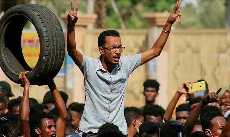 (rfi.fr)La communauté internationale condamne le coup d'État au Soudan