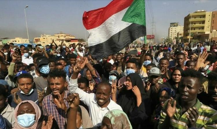 (rfi.fr)Soudan: d'un équilibre politique précaire au coup d'État